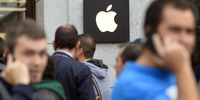 La Commission européenne enquête sur les régimes fiscaux accordés par des pays de l'Union à des multinationales, dont Apple.