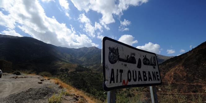 A Ait Ouaban, à 80 km au sud de Tizi Ouzou, où l'armée algérienne continue ses recherches pour retrouver le corps d'Hervé Gourdel.