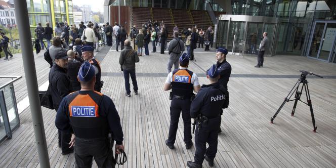 Le procès des membres de Sharia4Belgium se tient à Anvers, en Belgique, sous haute sécurité. Le groupe islamiste radical est soupçonné d'être le plus gros fournisseur de djihadistes belges partis pour la Syrie.