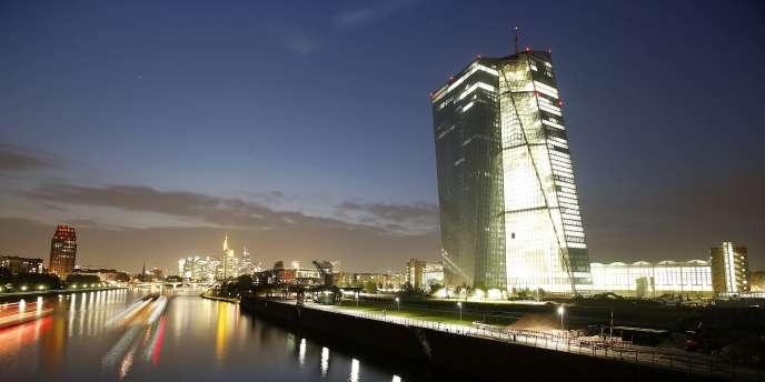 Le futur siège de la BCE qui se réunit jeudi exceptionnellement à Naples. Elle a un objectif d'inflation de 2 % sur le moyen terme.