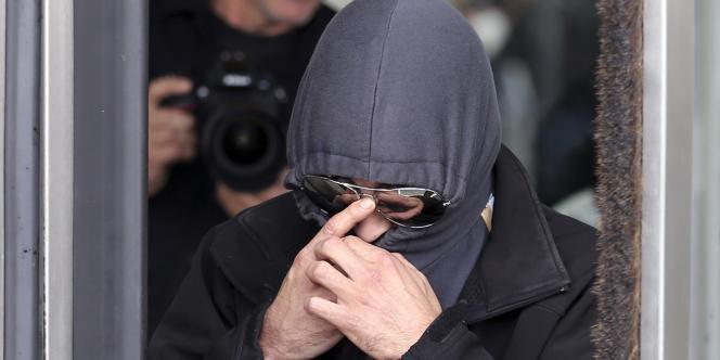 L'un des accusés suspectés d'avoir participé à l'organisation Sharia4Belgium, lors de son procès, le 30septembre.