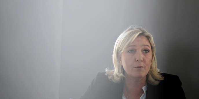 Marine Le Pen, à Caen, le 7 mai.