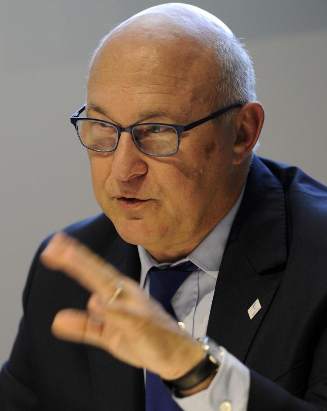Michel Sapin, ministre des finances, a également annoncé une révision à la baisse des prévisions de croissance.