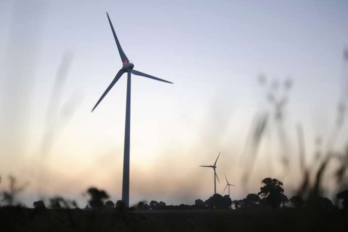 Des éoliennes à Freigné (Maine-et-Loire), le 11 septembre 2014.