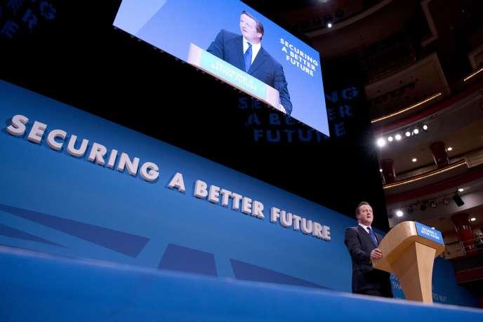 Le premier ministre britannique David Cameron à l'issue de son discours lors de la conférence annuel du Parti conservateur, le 1er octobre 2014.