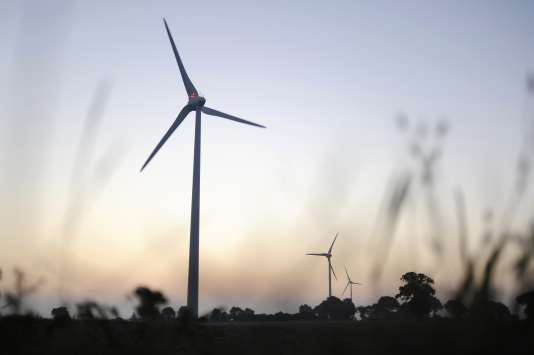 Trois députés proposent d'utiliser une partie de la contribution énergie prélevée sur les énergies fossiles pour aider les collectivités à mettre en œuvre leurs plans climat.