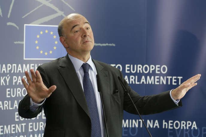 Pierre Moscovici, commissaire européen désigné pour les affaires économiques et financières, la fiscalité et l'union douanière, au Parlement européen, à Bruxelles, le jeudi 2octobre 2014.
