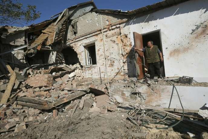 Une maison bombardée près de Donetsk, le 3 octobre.