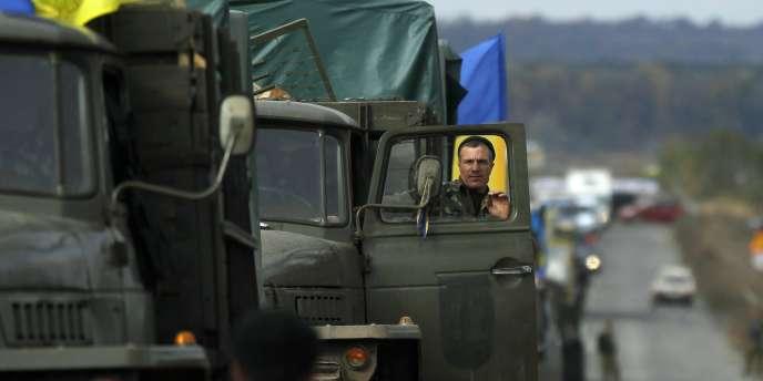 Le ministre de la défense, Jean-Yves Le Drian, a assuré que la France et l'Allemagne allaient « tout faire » pour que cessent les violations de la trêve entre l'armée ukrainienne et les prorusses.