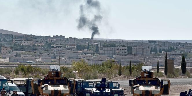 Une femme s'est fait exploser dimanche près de la troisième ville kurde de Syrie, assiégée par les combattants de l'organisation djihadiste.