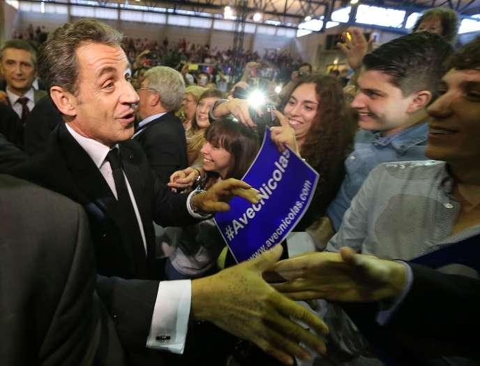 Nicolas Sarkozy, quelques minutes avant le début de son meeting à Saint-Julien-les-Villas (Aube), le 2 octobre.