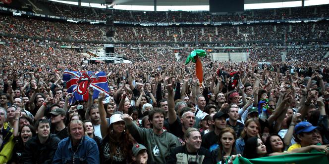 Une foule de 70 000 personnes correspond environ à la capacité totale du Stade de France (ici lors du concert des Rolling Stones en 2007).