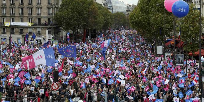 La Manif pour tous revendique 500 000 manifestants. Selon la police, ils étaient plutôt 70 000.