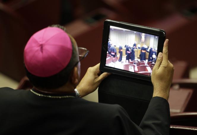 Au Vatican, lors du synode extraordinaire sur la famille lundi 6 octobre.