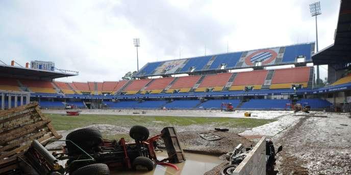 Le stade de la Mosson de Montpellier, ravagé par les inondations, le 7 octobre.