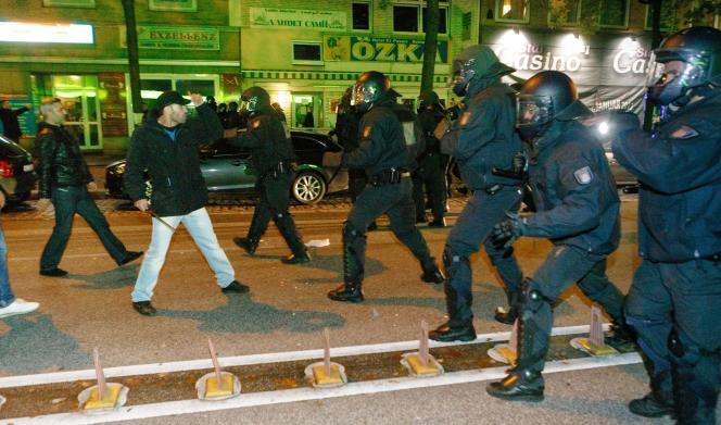 Affrontements à Hambourg, dans la nuit du 8 au 9 octobre.