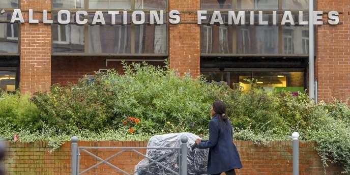 La gauche envisage de remettre en cause l'universalité des allocations familiales.