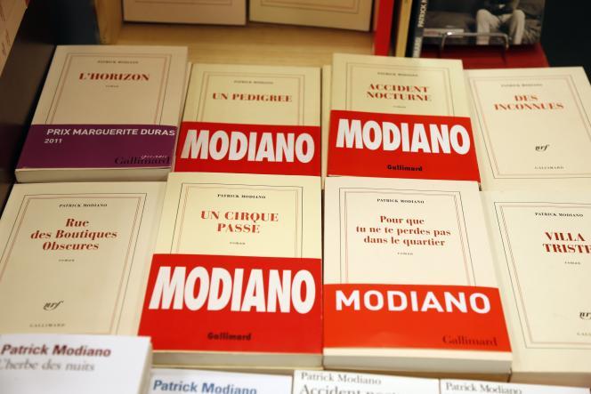 Couvertures de romans de Patrick Modiano.