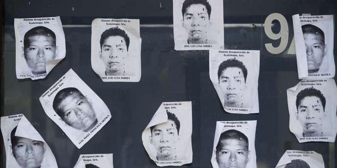 Quatre personnes, arrêtées dans le cadre de l'enquête sur la disparition de 43étudiants fin septembre, ont révélé l'existence de ces nouvelles fosses aux autorités.