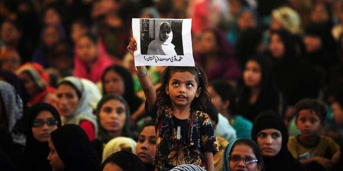 Une manifestation de soutien à la Pakistanaise nobélisée Malala Yousafzaï lorsqu'elle avait été blessée par balle, en 2012.