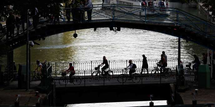 Sur le canal Saint-Martin, en octobre.