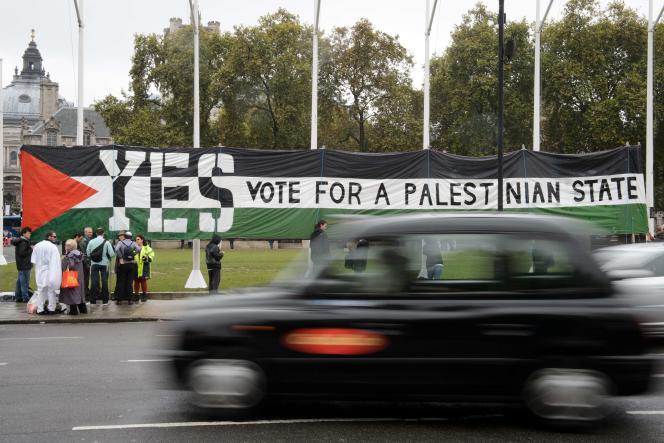 Une bannière appelant à la reconnaissance d'un Etat palestinien, le 13 octobre à Londres.