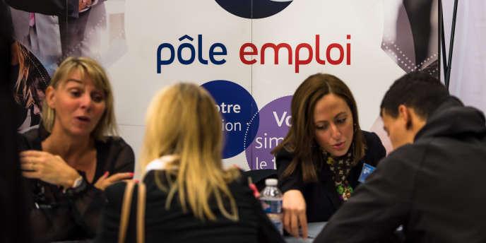 Selon une étude du cabinet Roland Berger, fin octobre, les progrès de l'automatisation supprimeraient à eux seuls 3 millions d'emplois en France à l'horizon 2025.