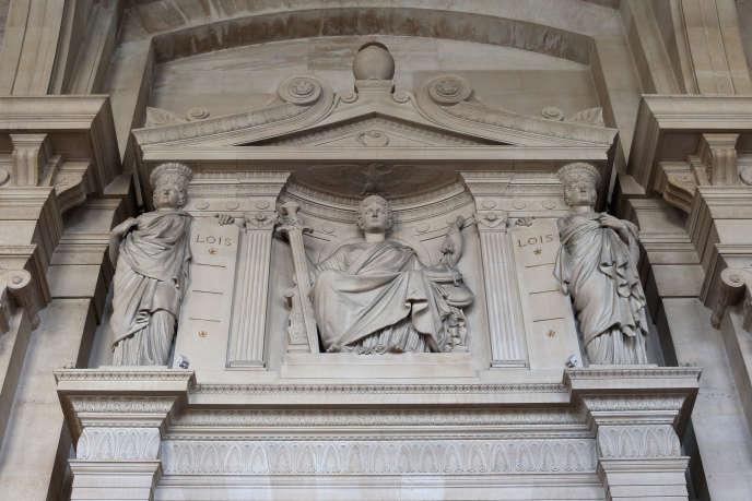 Représentation de la Justice (palais de justice de Paris).