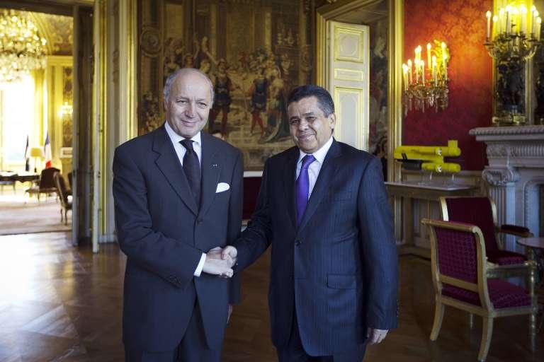 Laurent Fabius et son homologue libyen Mohamed Dayri, le 14 octobre 2014 à Paris.