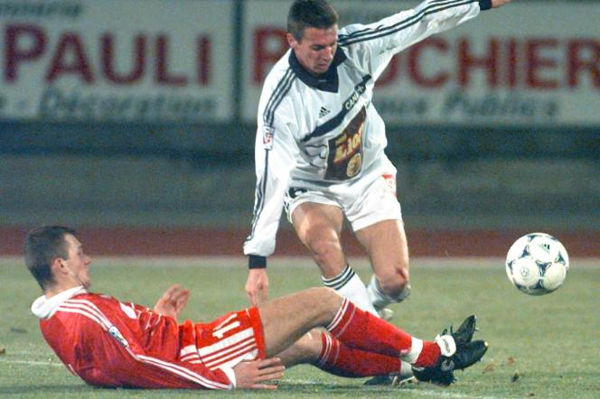Olivier Sorlin a évolué à l'ASOA Valence (Valence-Toulouse, Coupe de France en 1999).