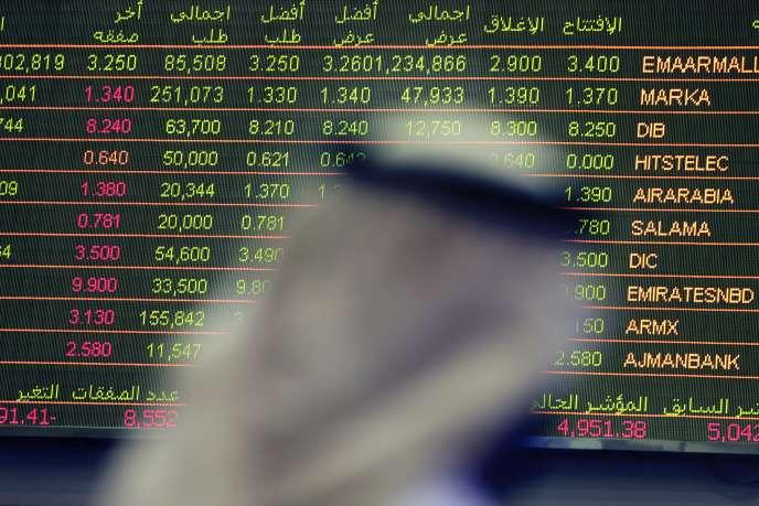 Un trader, à Dubaï, le 2 octobre.
