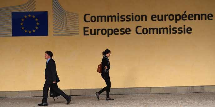 L'Union européenne est prête à sanctionner les deux pays, durement affectés par des politiques d'austérité dans le sillage de la crise financière de 2007.
