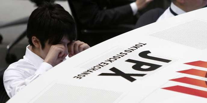 L'indice japonais Nikkei a terminé la séance, jeudi 16 octobre, à son plus bas niveau depuis la fin du mois de mai.