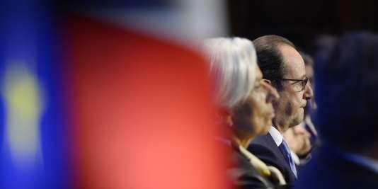 Christine Lagarde, présidente du FMI, et François Hollande, durant une réunion de l'OCDE, à Paris.