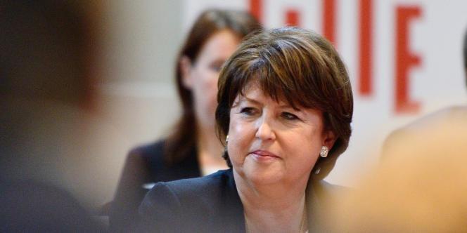 La maire PS de Lille, Martine Aubry, demande à François Hollande et à Manuel Valls d'engager une « réorientation de la politique économique ».