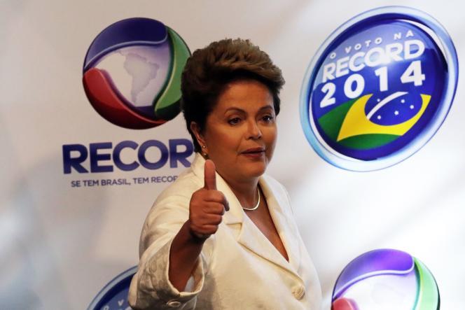 La candidate à la présidentielle brésilienne Dilma Rousseff  avant un débat télévisé à Sao Paulo, le 19 octobre.