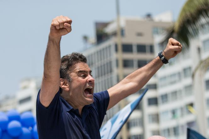 AécioNeves, 54 ans, est candidat du Parti de la social démocratie brésilienne (PSDB, centre droit) à la présidentielle du 26 octobre.