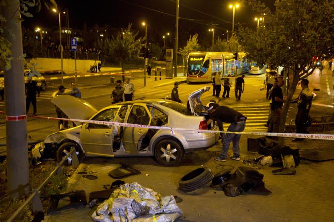 Le 22 octobre 2014, à Jérusalem, un véhicule conduit par un Palestinien a foncé dans une gare très fréquentée, tuant un bébé de 3mois et blessant plusieurs personnes.