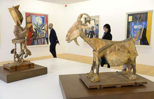 Des sculptures et des tableaux de Picasso exposés à l'hôtel Salé, le 18 octobre 2014.