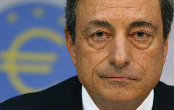 Le rachat massif d'obligations menée par le patron de la Banque centrale européenne, Mario Draghi, est particulièrement sous le feu des critiques.
