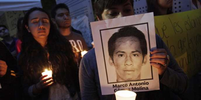 Manifestation de soutien aux 43 étudiants disparus à Monterrey au Mexique, jeudi.