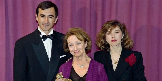Françoise Bertin, au centre, lors de la remise d'un prix Molière de la meilleure comédienne dans un second rôle en 1993.