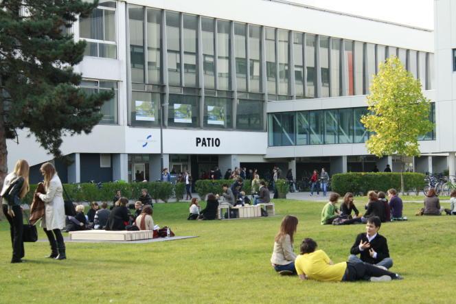 L'université de Strasbourg met en place le contrôle continu intégral depuis 2012.