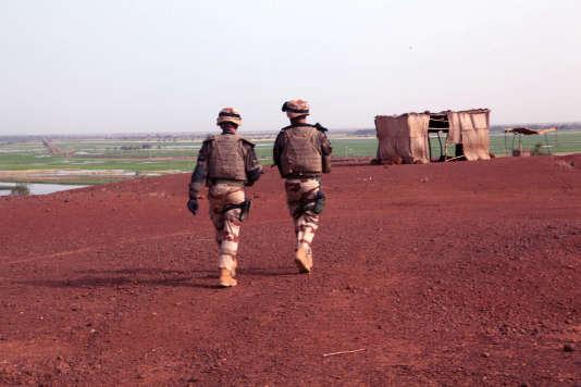 Militaires français participant à l'opération Serval, au Mali, en octobre 2013.