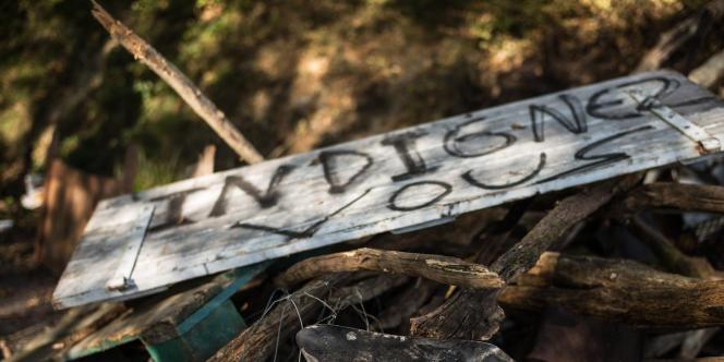 Le campement des opposants au barrage de Sivens (Tarn), le 28 octobre, 3 jours aprŽs la mort du jeune opposant RŽmi Fraisse au barrage de Sivens.  Photo: Ulrich Lebeuf / M.Y.O.P pour Le Monde
