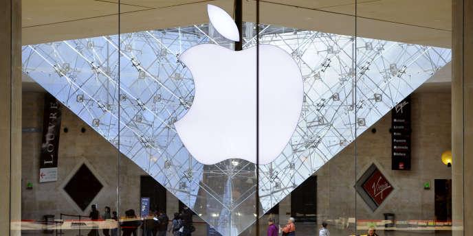 L'Apple Store du Louvre, à Paris.
