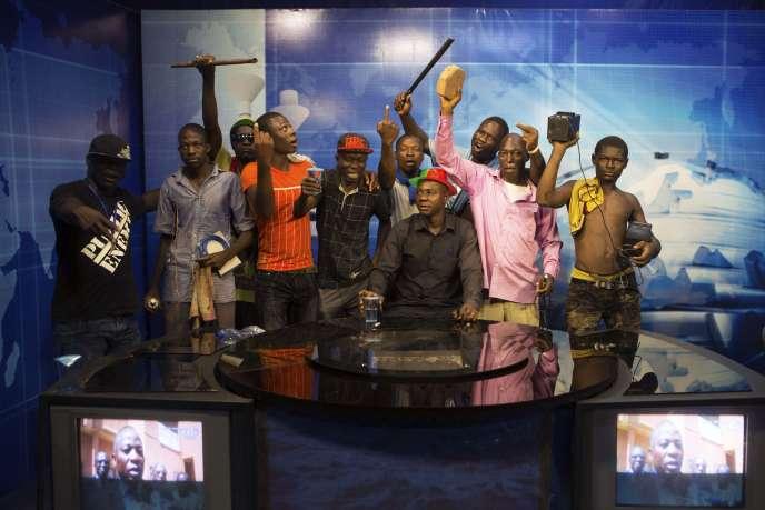 Au siège de la télévision nationale, à Ouagadougou, le 30 octobre 2014.