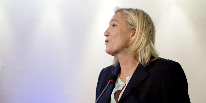 L'élu FN Maxence Buttey avait été « suspendu provisoirement » samedi, son parti lui reprochant d'avoir fait du « prosélytisme » en envoyant une vidéo sur l'islam à des cadres du FN.