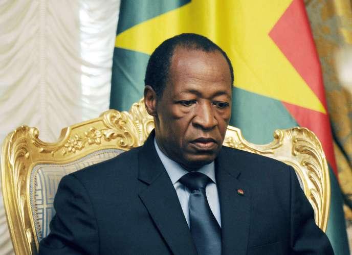 Blaise Compaoré a démissionné vendredi après deux journées de manifestations de masse contre le projet de modification de la constitution qui devait lui permettre de se maintenir à la tête du pays, qu'il présidait depuis 1987.