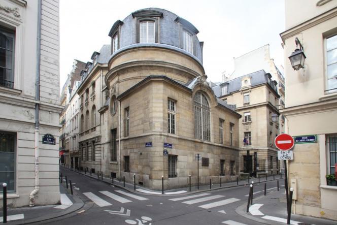 Hôtel particulier (5e arrondissement) datant du XVe siècle, 15 rue de la Bûcherie, le plus ancien des sites proposés.
